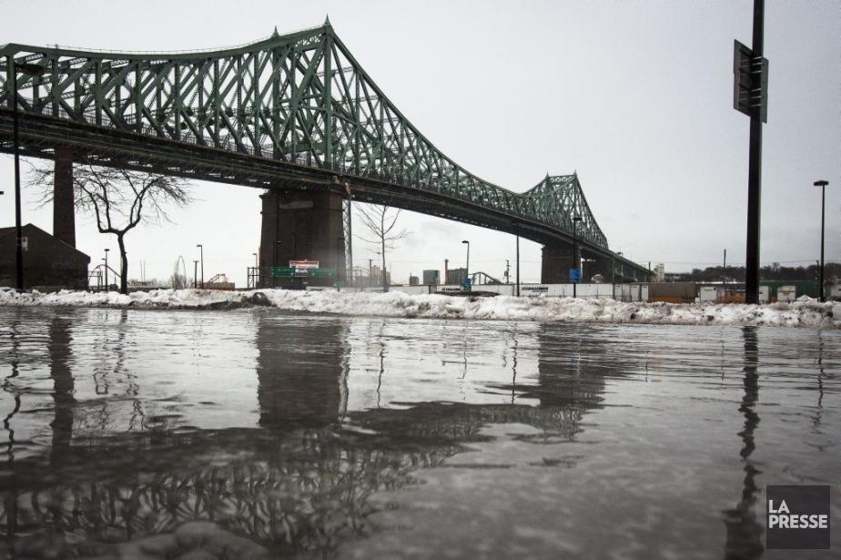 Le pont Jacques-Cartier.... (PHOTO OLIVIER PONTBRIAND, ARCHIVES LA PRESSE)
