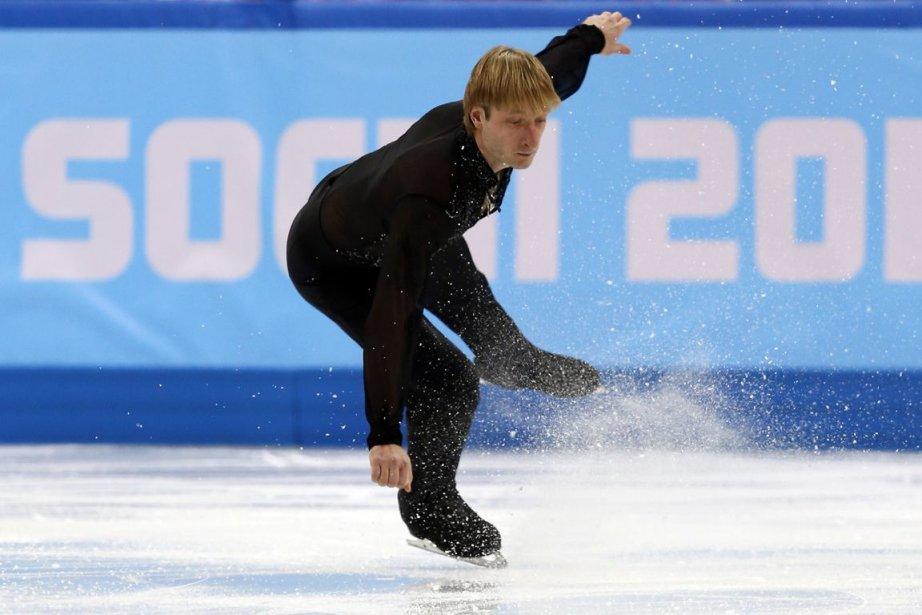 Le double champion olympique Evgeni Plushenko a renoncé... (Photo Adrian Dennis, AFP)