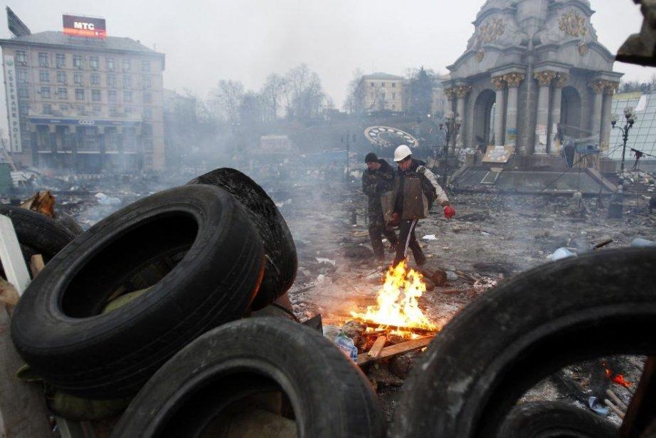 Des parlementaires dénoncent les heurts entre la police... (Photo Reuters)