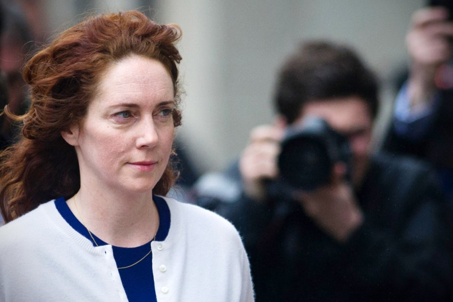 Rebekah Brooks était soupçonnée d'avoir donné son aval... (PHOTO CARL COURT, ARCHIVES REUTERS)