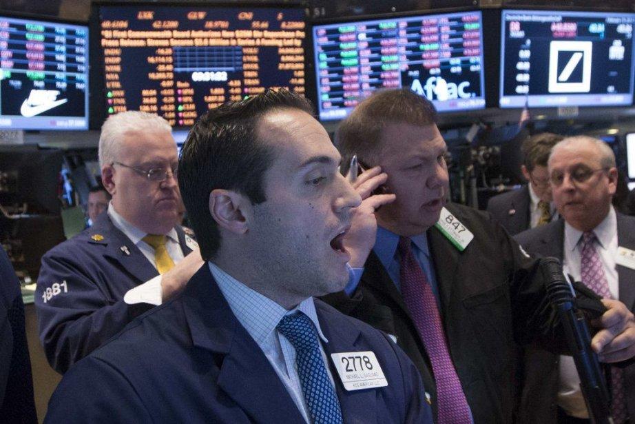 Wall Street a terminé nettement dans le vert... (PHOTO BRENDAN MCDERMID, REUTERS)