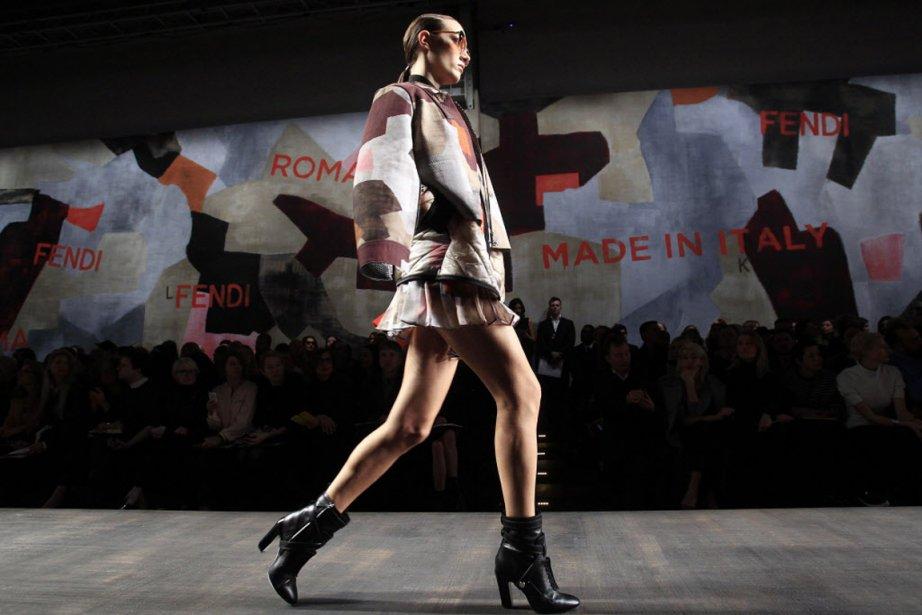 Au deuxième jour des défilés milanais de prêt-à-porter féminin pour l'hiver...