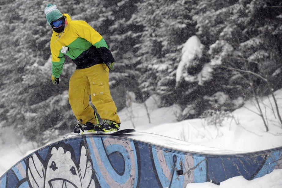 Rien de mieux que de profiter des stations de ski pour prendre une bonne dose d'air frais. (Photo Bernard Brault, Archives La Presse)