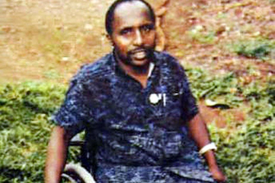 Ancien officier, Pascal Simbikangwa est paraplégique depuis un... (PHOTO ARCHIVES AFP)