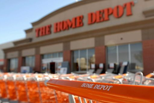 Home Depot indique être en train de prévenir... (Photo archives Bloomberg)