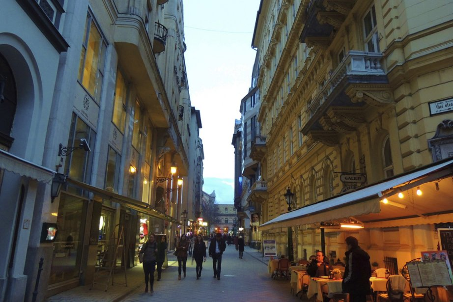 Les rues du centre se prêtent bien à une balade de fin de journée. (Photo Sarah-Émilie Nault, collaboration spéciale)