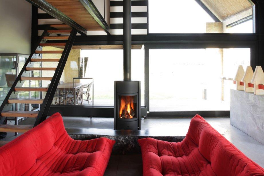 la ligue du nouveau po le. Black Bedroom Furniture Sets. Home Design Ideas