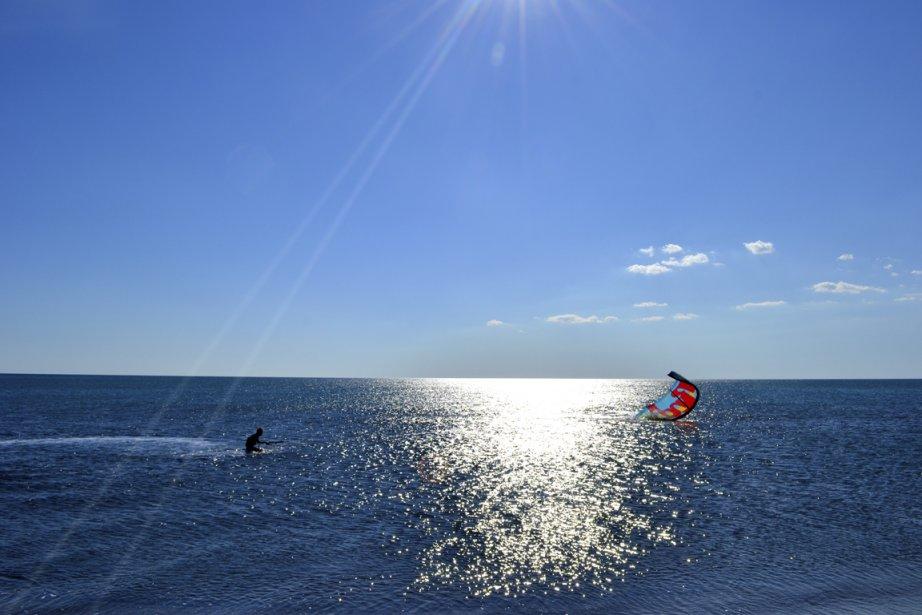 Kite-surf sur les plages à proximité d'Ulcinj. (Photo Violaine Ballivy, La Presse)
