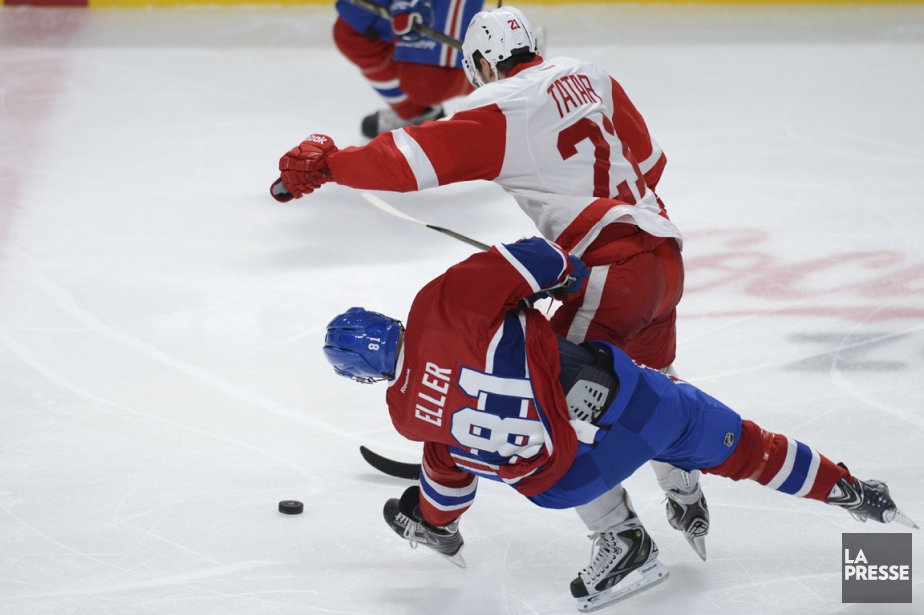Quand Tomas Tatar, des Red Wings, a tendu... (Photo Bernard Brault, La Presse)