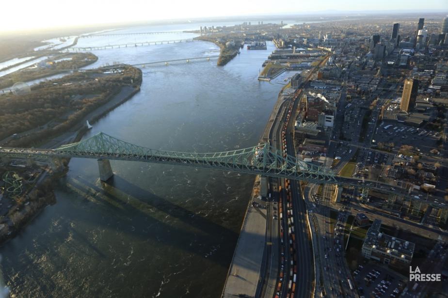Le programme de sécurisation du pont Champlain, proposé... (Photo Martin Chamberland, archives La Presse)