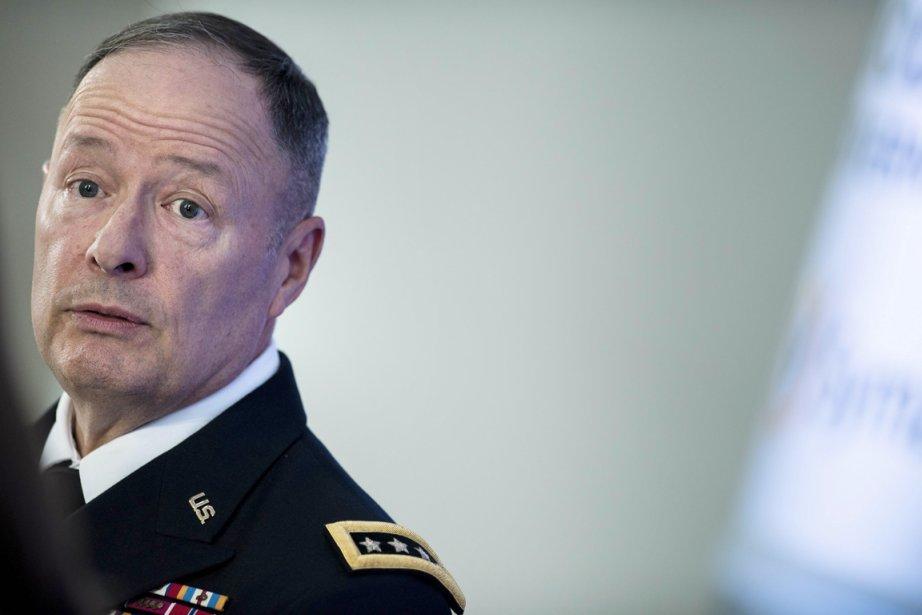 Le général Keith Alexander, chef de la NSA.... (PHOTO BRENDAN SMIALOWSKI, ARCHIVES AFP)