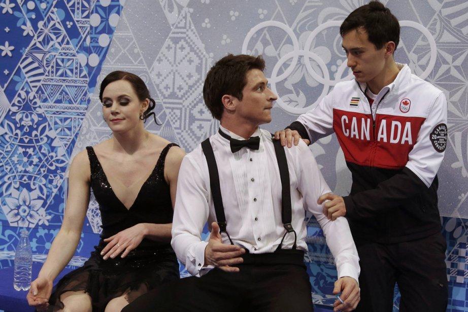 Les patineurs artistiques canadiens Tessa Virtue, Scott Moir... (Photo Darron Cummings, Reuters)