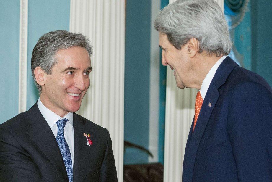 John Kerry (à droite) etle premier ministre moldave,... (Photo PAUL J. RICHARDS, AFP)