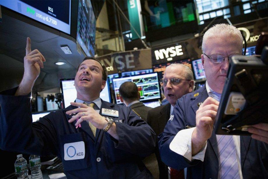 À l'instar de la Bourse russe et des... (PHOTO BRENDAN MCDERMID, REUTERS)