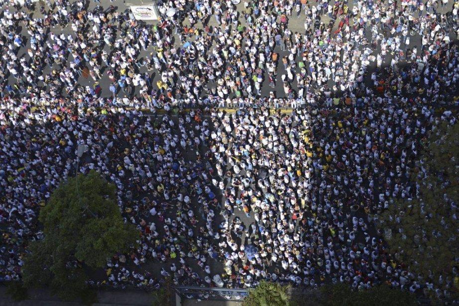 D'abord centré sur l'insécurité (65 morts quotidiens, selon... (Photo LEO RAMIREZ, AFP)