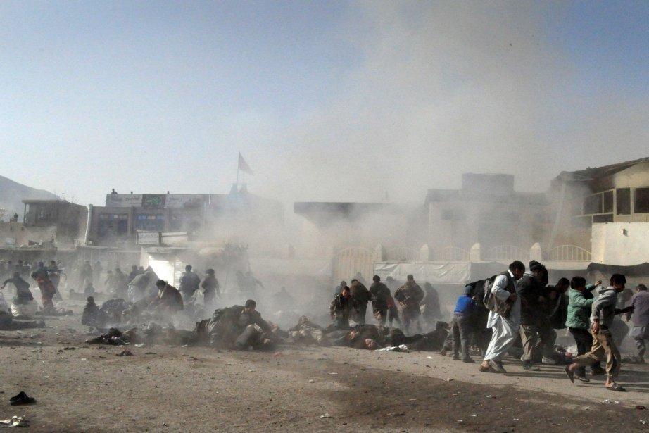 Cinq soldats afghans ont été tués et huit blessés jeudi... (Photo Archives AP)