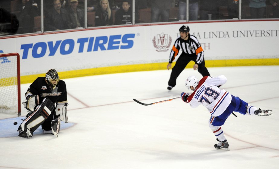 Andrei Markov a marqué le but de la victoire en fusillade. (Photo Kelvin Kuo, USA Today Sports)