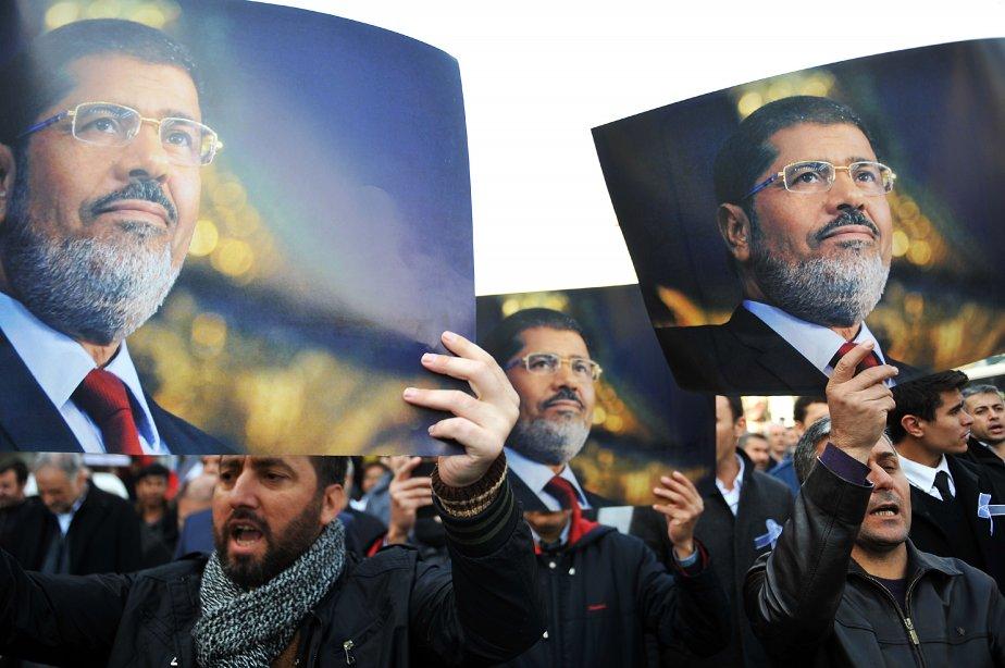 Depuis la destitution de Mohamed Morsi, les partisans... (Photo OZAN KOSE, AFP)
