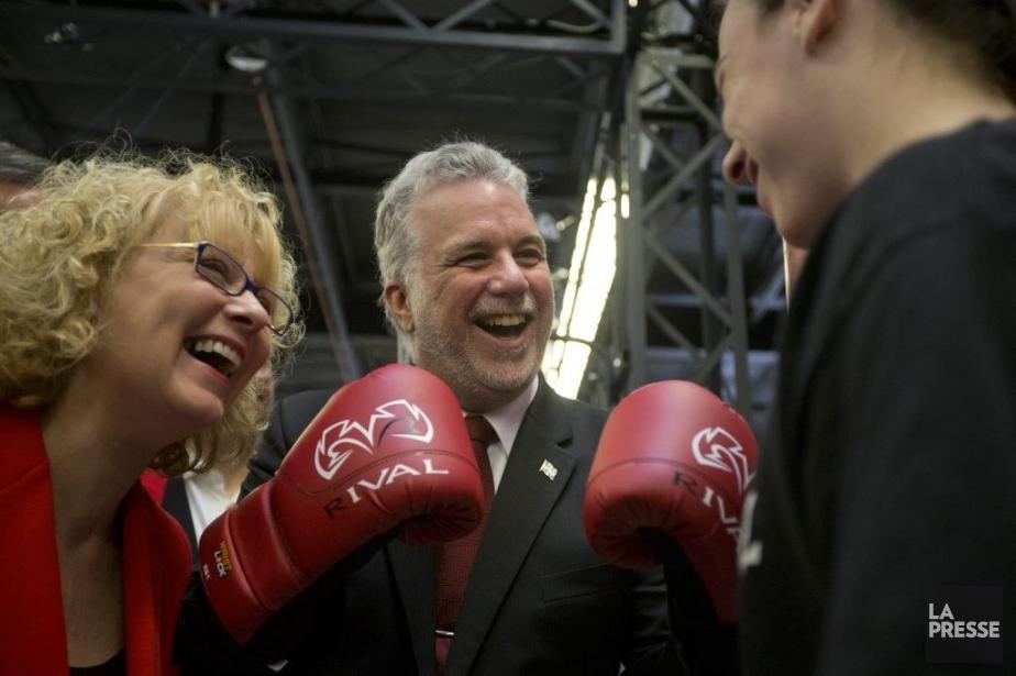Marguerite Blais et Philippe Couillard ont «boxé» un... (Photo Ivanoh Demers, La Presse)
