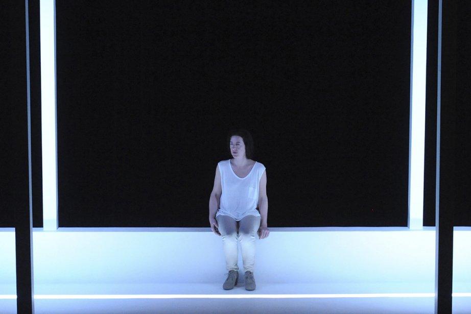 Marie-France Lambert dans la pièce Tu iras la... (Photo: Caroline Laberge, fournie par Espace Go)