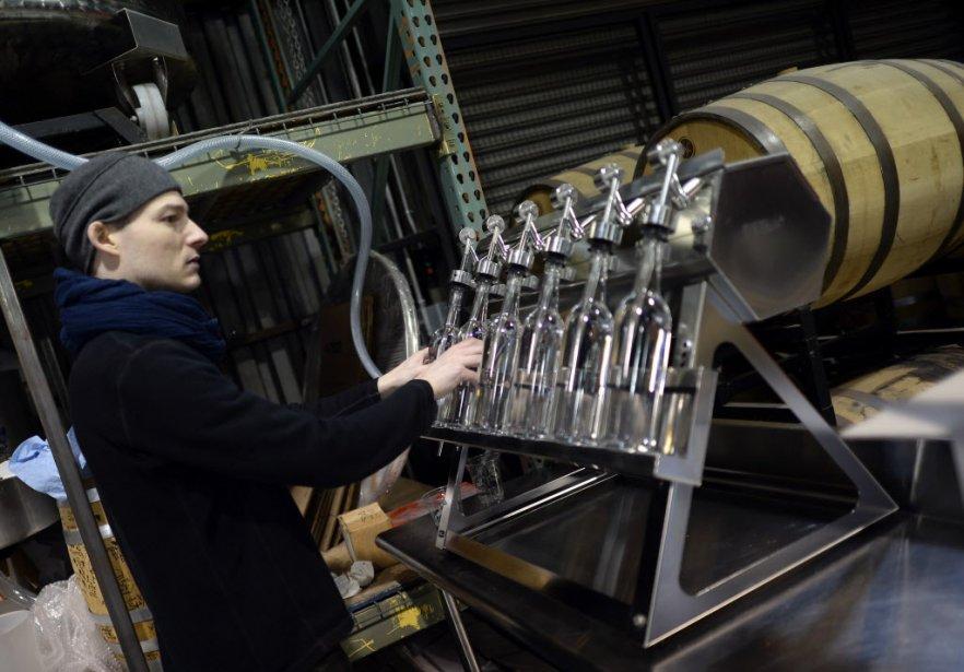 Le boom des distilleries artisanales n'est pas confiné à la grosse pomme: la fédération professionnelle Discus en recensait 400 aux États-Unis début 2014 contre 92 en 2010. (Photo TIMOTHY A. CLARY, AFP)