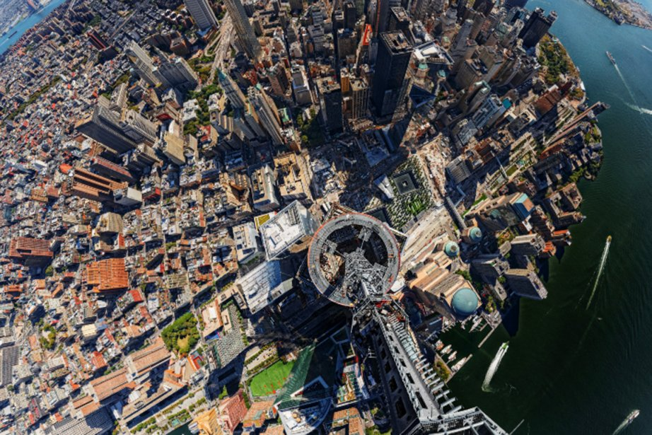 Vue du haut du one world trade center ailleurs sur le web for Interieur world trade center