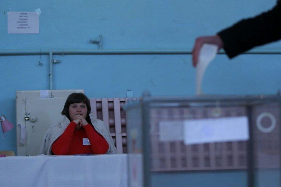Les Occidentaux ont condamné dimanche le référendum «illégal»... (Photo Reuters)