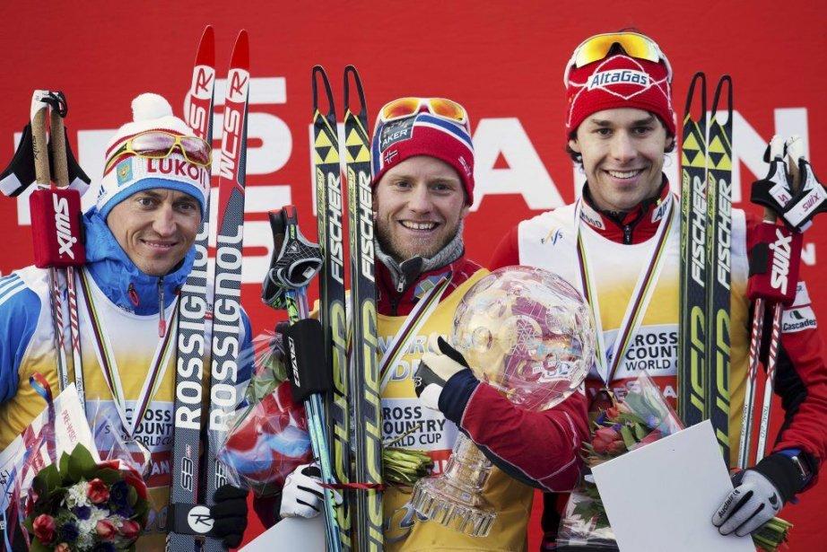 Alex Harvey (à droite) a terminé derrièreMartin Johnsrud... (PHOTO JONATHAN NACKSTRAND, AFP)