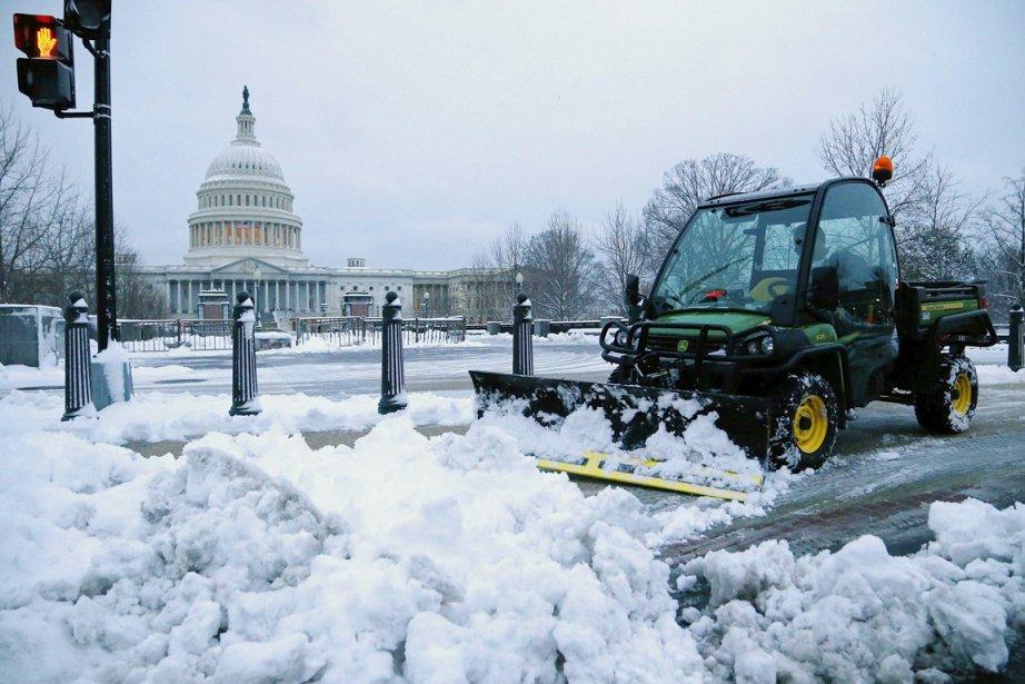 Des chutes de neige «tardives et inhabituelles», selon... (PHOTO JONATHAN ERNST, REUTERS)