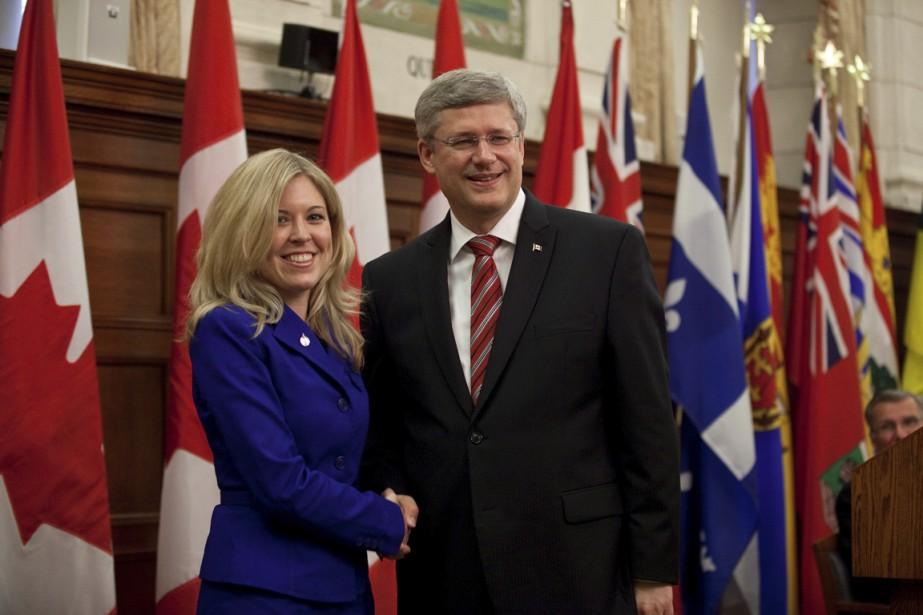La ministre Michelle Rempel, ici avec Stephen Harper,... (Photo fournie par le bureau du Premier Ministre)