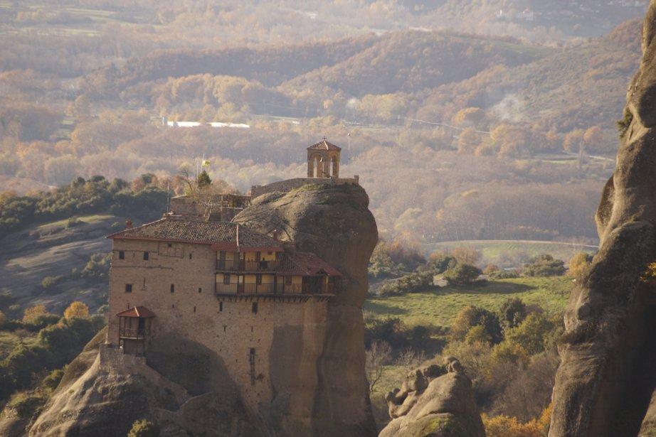 Un des monastères des Météores, dans le nord de la Grèce. Le site où s'élèvent ces monastères chrétiens orthodoxes est classé patrimoine mondial de l'UNESCO depuis 1988. (Photo fournie par Bruno Rodi)