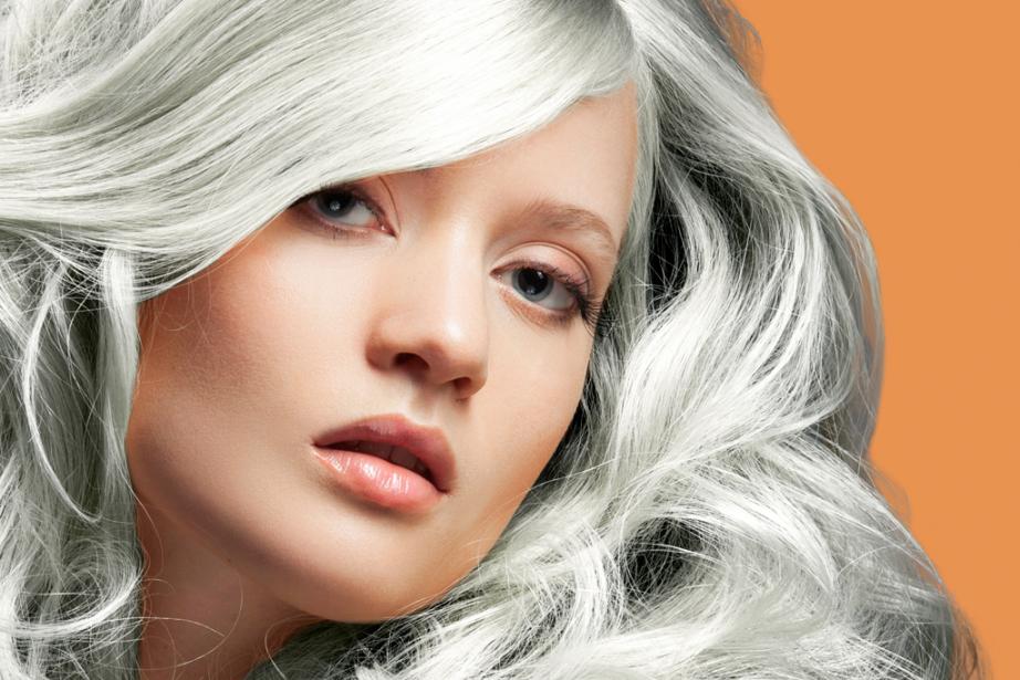 Assumer les cheveux gris à 20 ans peut... (Photo Digital/Thinkstock)