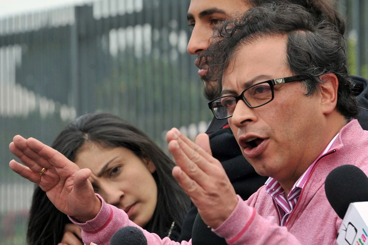 Gustavo Petro... (Photo: AFP)