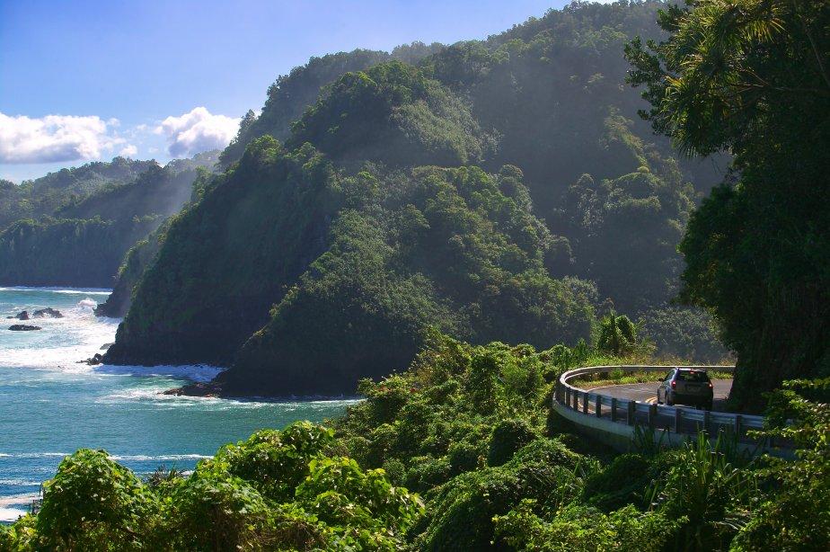 La route d'Hana est célèbre pour la beauté de ses paysages. (Photo Digital Vision/Thinkstock)
