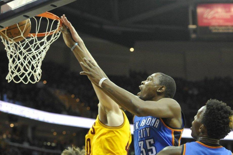 Kevin Durant (35) a amassé 35 points, 11... (PHOTO DAVID RICHARD, USA TODAY)