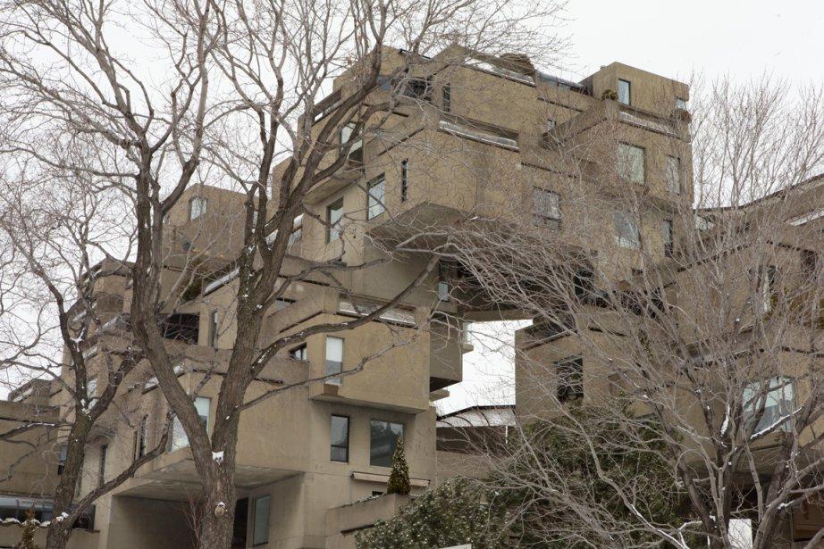 Non seulement Habitat 67 est-elle une adresse de prestige, mais c'est aussi un monument classé par le gouvernement du Québec. L'ensemble est devenu un complexe d'habitation à copropriété indivise lorsque les anciens locataires ont acheté leur appartement de la Société canadienne d'hypothèques et de logement, gestionnaire des lieux après Expo 67. (Photo Alain Roberge, La Presse)