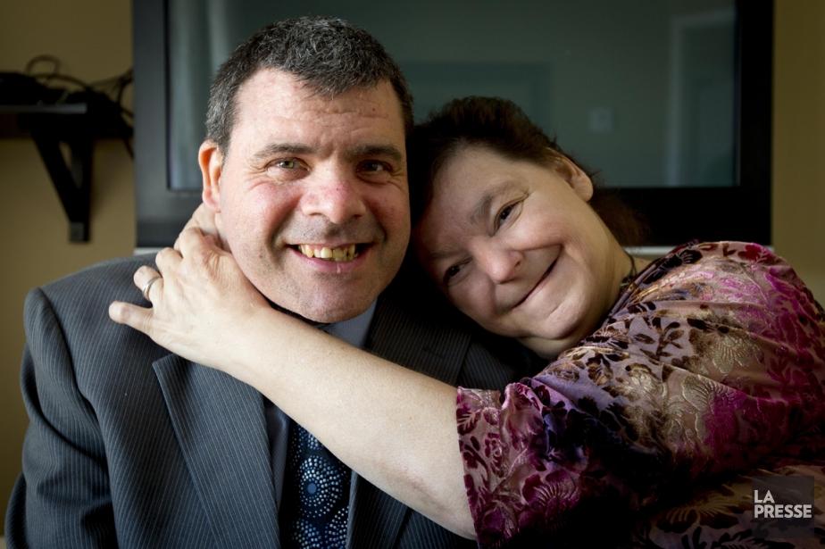 L'histoire d'amour de Stéphane, 42 ans, et Réjeanne,... (PHOTO ALAIN ROBERGE, LA PRESSE)