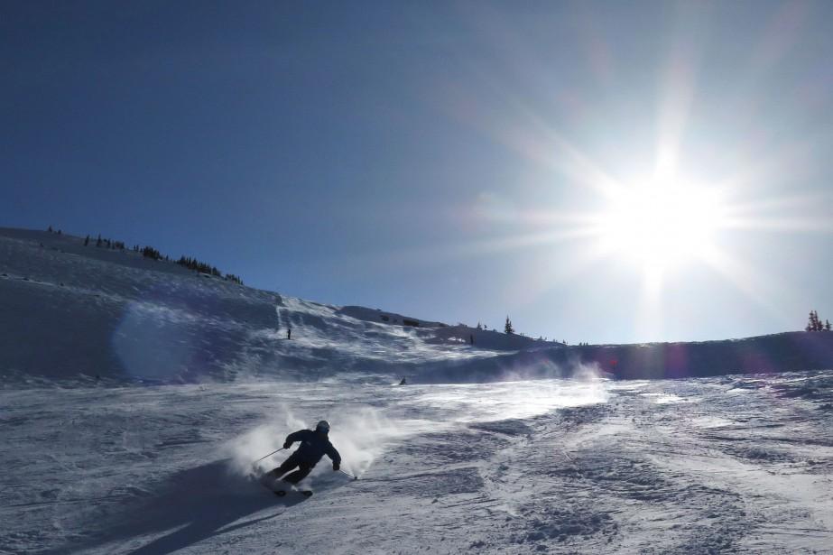Un skieur à Whistler... (PHOTO JONATHAN HAYWARD, ARCHIVES LA PRESSE CANADIENNE)