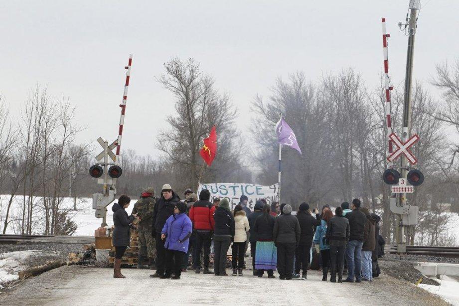 La manifestation des autochtones a forcé l'interruption du... (PHOTO FRED THORNHILL, REUTERS)