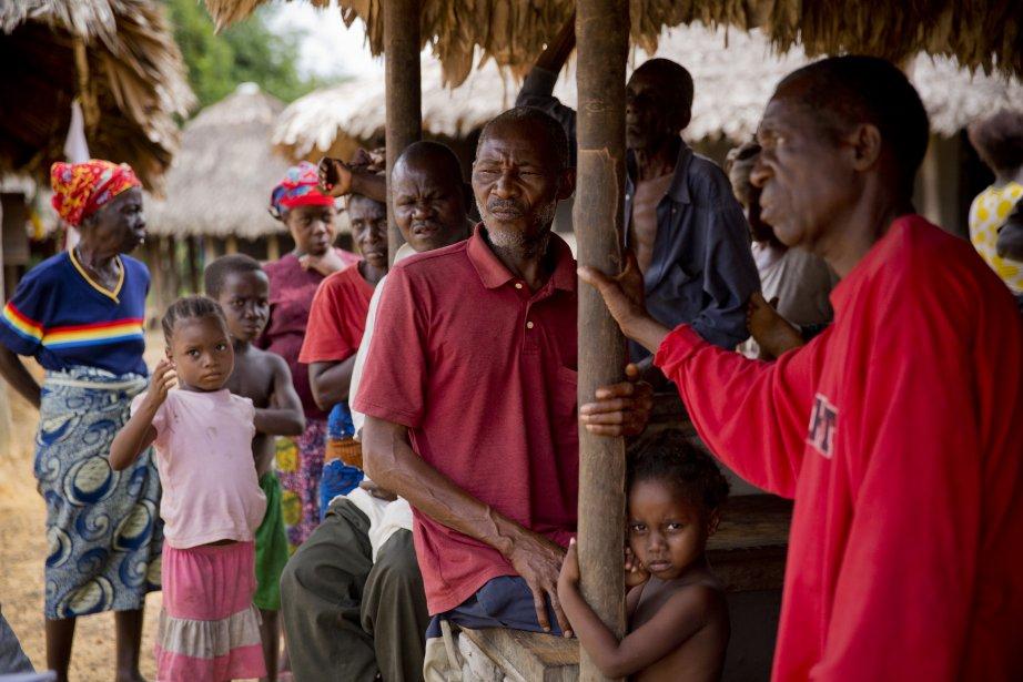 Henry B. Tobay, un agriculteur de 65 ans, affirme que des policiers sont venus dans les villages de sa région pour les mettre en garde contre toute intervention ciblant les employés d'Equatorial Palm Oil. (Photo David Boily, La Presse)