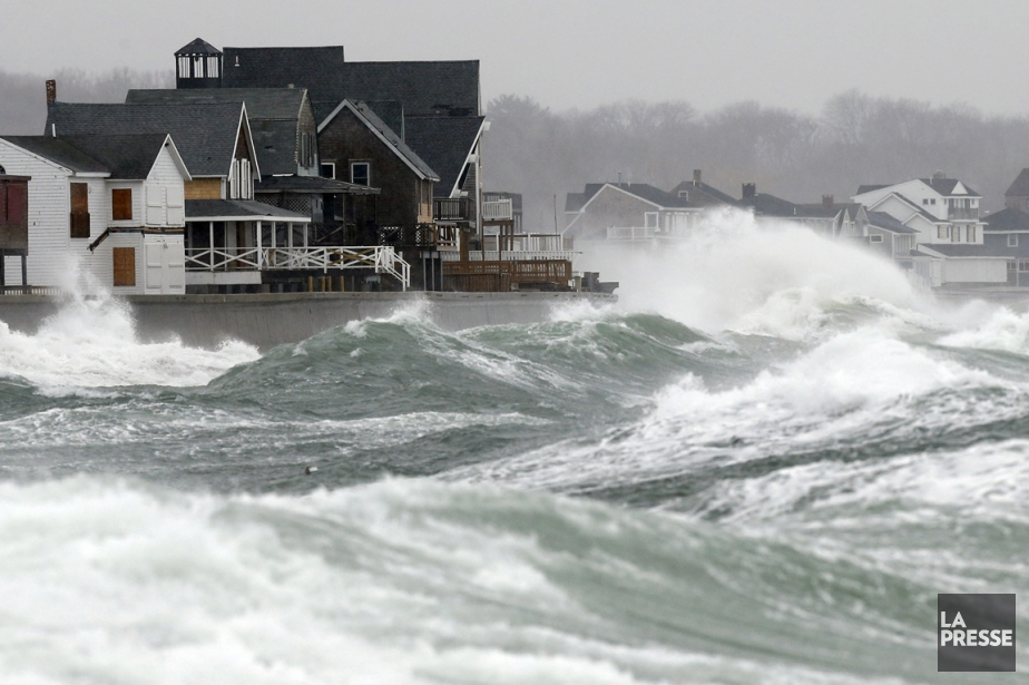 Le petit village de Scituate, au Massachusetts, a été frappé par la tempête. (Photo Associated Press)