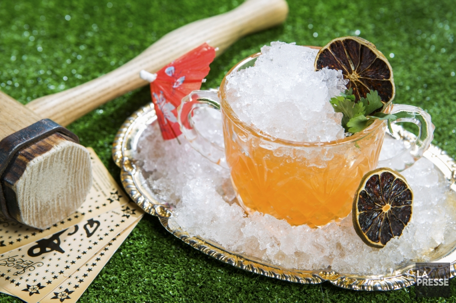 Un cocktail néo-tiki baptisé La concession française.... (PHOTO OLIVIER PONTBRIAND, LA PRESSE)