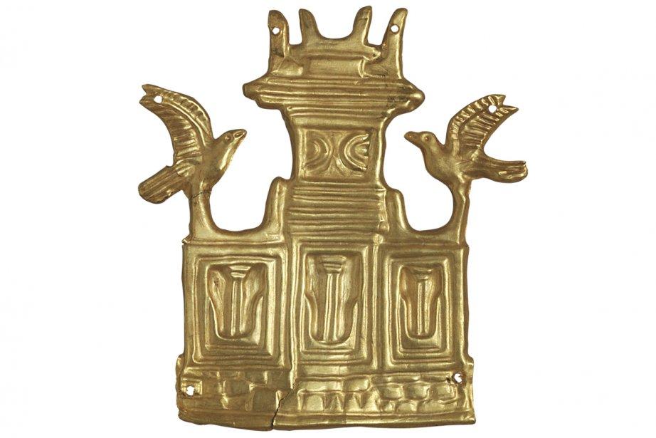 Plaque en or représentant un tombeau fait de trois parties, provenant de la cité antique de Mycènes. (Photo: fournie par le musée Pointe-à-Callière)