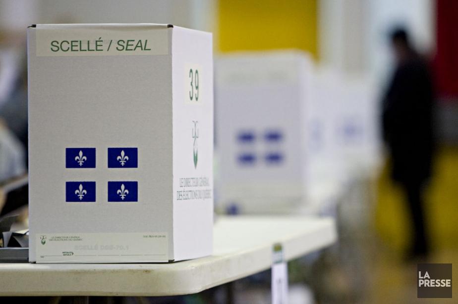 Le soir du 7 avril, quelques votes... (Photo: François Roy, Archives La Presse)