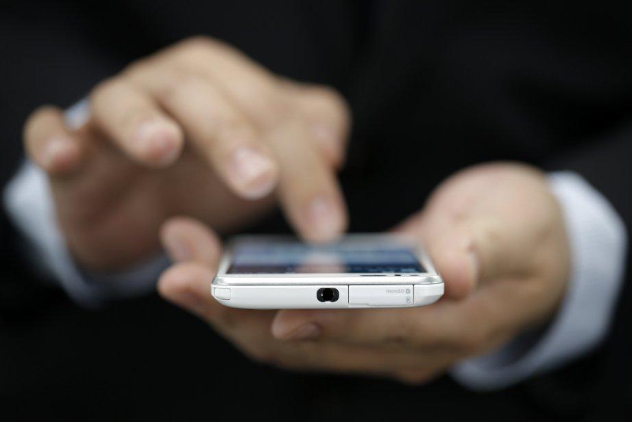 Les appareils mobiles personnels et le stockage de... (PHOTO Brendan McDermid, ARCHIVES REUTERS)