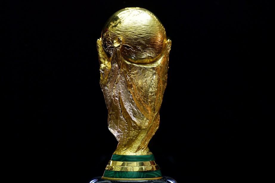 Le trophée de la Coupe du monde de... (Photo archives AFP)