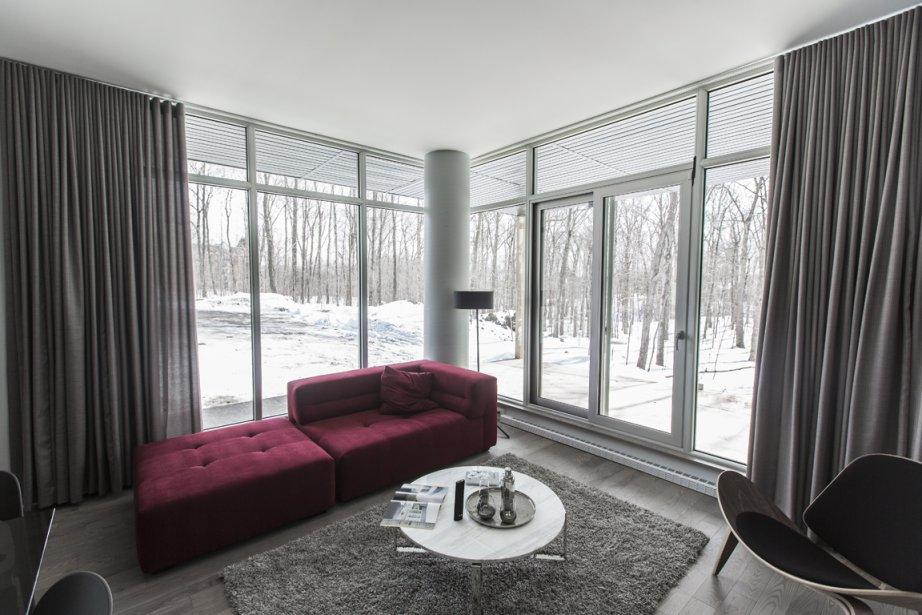 De grandes fenêtres feront profiter de la nature. (Photo Olivier Pontbriand, La Presse)