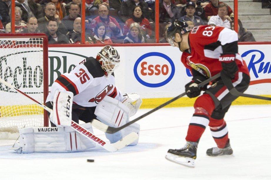 Erik Karlsson a inscrit le but victorieux en tirs de... (Photo USA TODAY Sports)