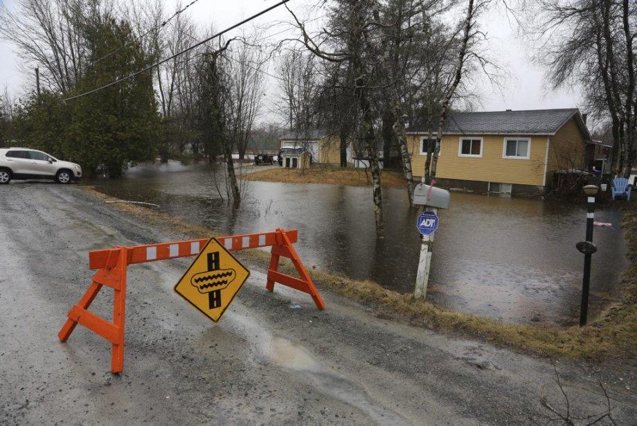 Inondation à Brigham. (Photo Alain Dion, La Tribune)