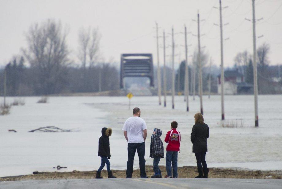 Inondation dans le secteur de Franklin's corner. (Photo Martin Roy, Le Droit)